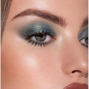 Kylie Cosmetics Makeup - Blue Honey Palette Kylie Cosmetics